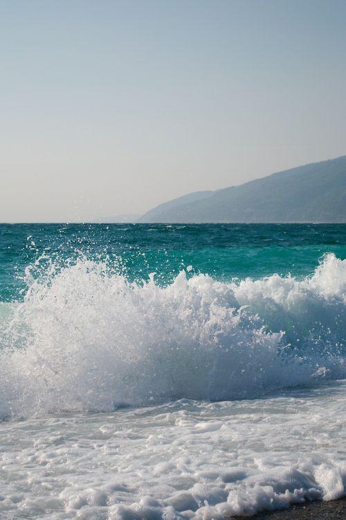 abkhazia sea wave