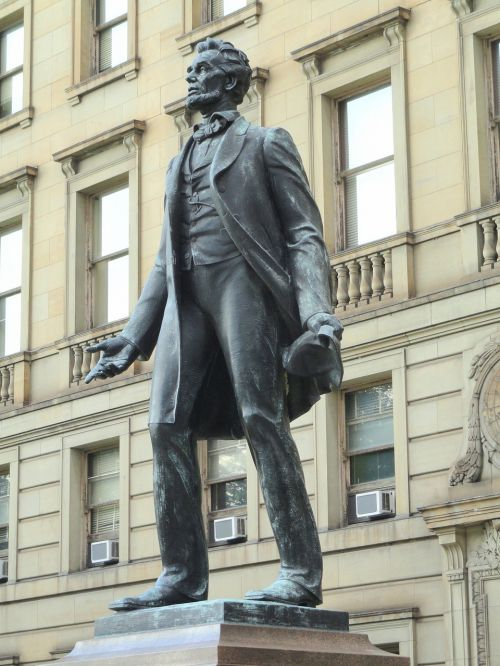abraham lincoln cleveland statue