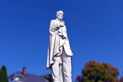 abraham lincoln statue  dickeyville grotto  wisconsin