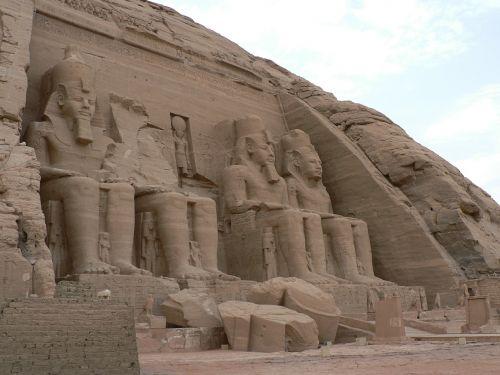 abu simbel egypt desert