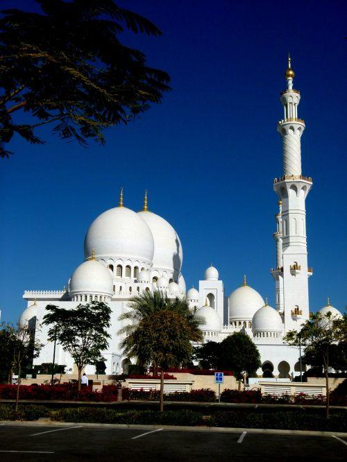 abudhabi mosque building