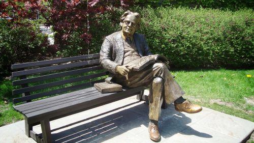academic statue brass man