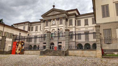 academy bergamo gallery