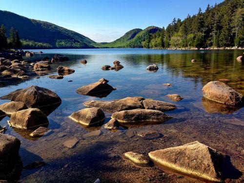 acadia mountains lake