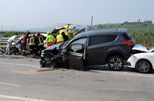 accident rescue road
