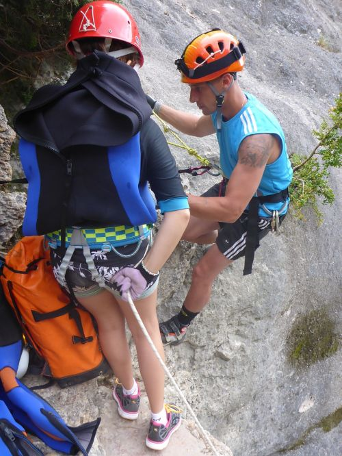 accompaniment canyoning descent
