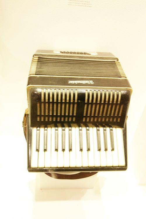 accordion instrument antique