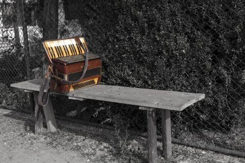 accordion alone music