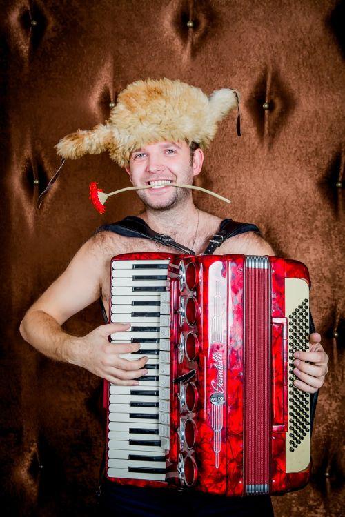 accordionist accordion music