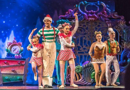 acrobats cirque du soleil christmas show