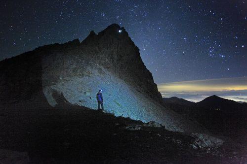 adam's peak mountain mountain climbing