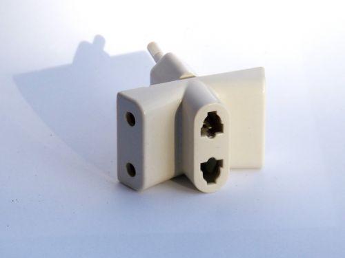 adapter plug electricity