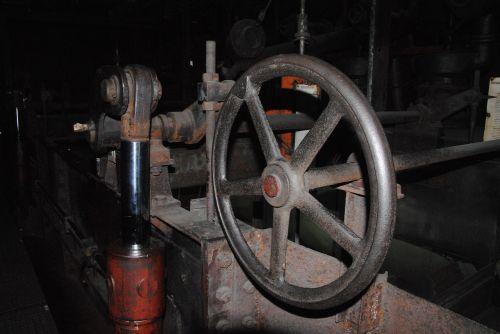 valve machine industry