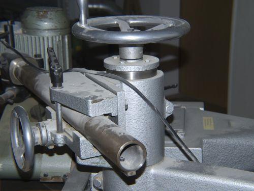adjusting wheel tube capping