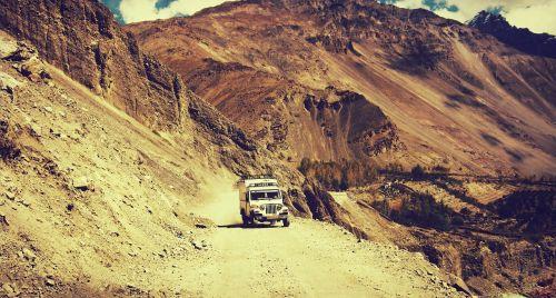 adventure car cliff