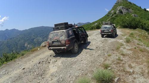 adventure mountains jeep
