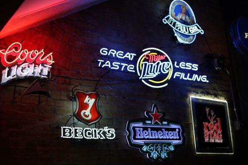advertisement bar beer