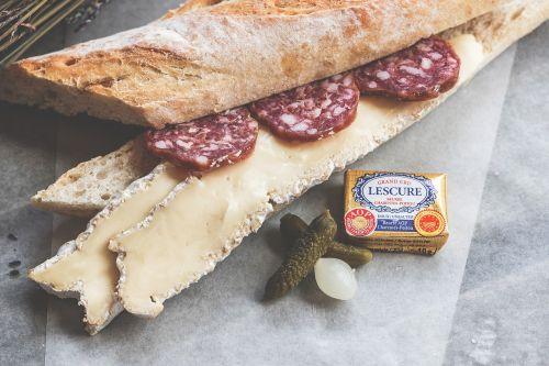 advertising baguette brie