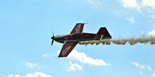 aerobatic flights sky clouds