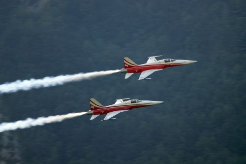 aeroplane aerial display