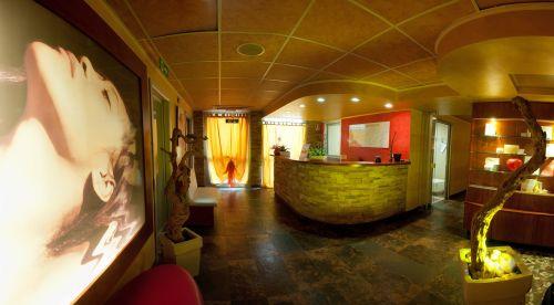reception aesthetics entrance