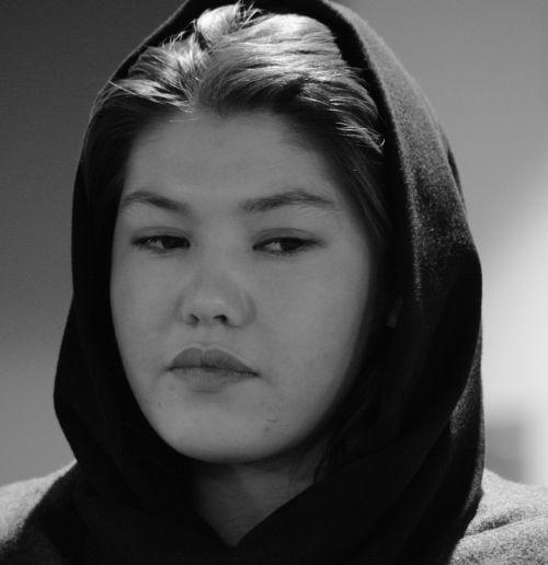 afghan woman hazarer