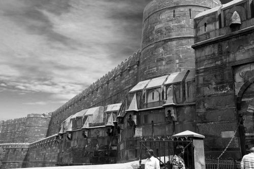agra fort black and white royal