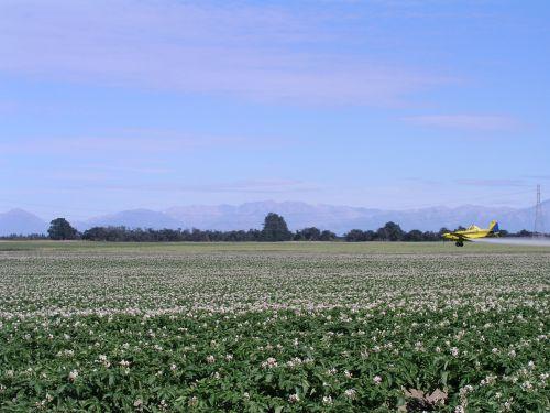 agriculture spray plane