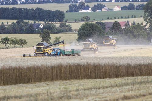 agriculture harvest combine harvester