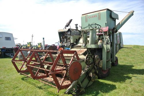 agriculture mower vehicle