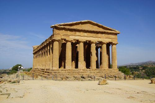 agrigento temple greek