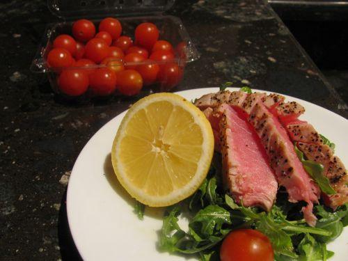 ahi tuna tuna tomato