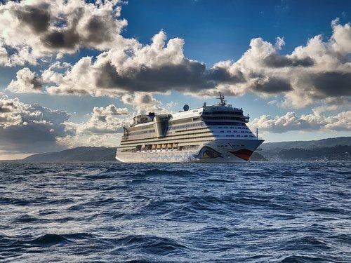 aida  ship  sea