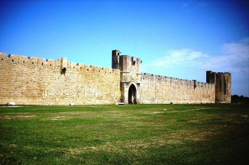aigues mortes wall city wall