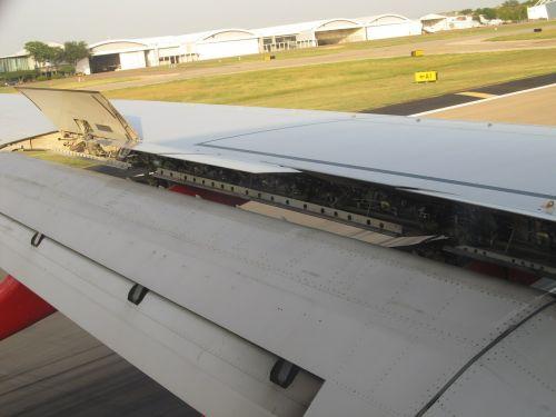 ailerons airplane wing landing