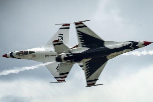 air show thunderbirds military