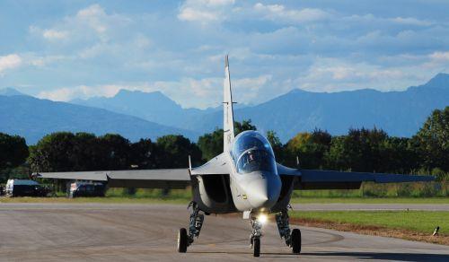 air show plane transportation system