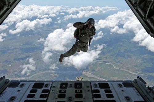 airborne soldier task