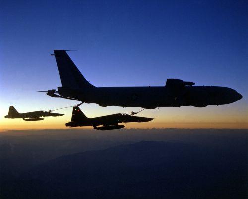 aircraft refuel fighter jet