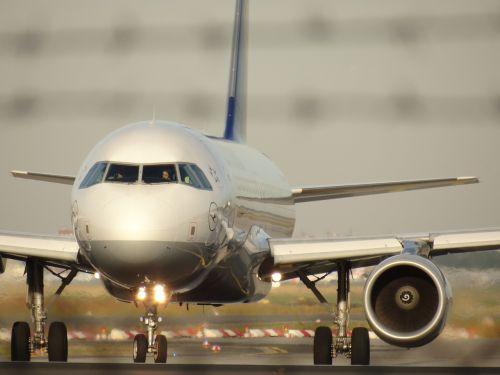 aircraft tarmac runway