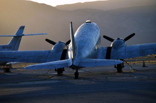 aircraft hangar flyer