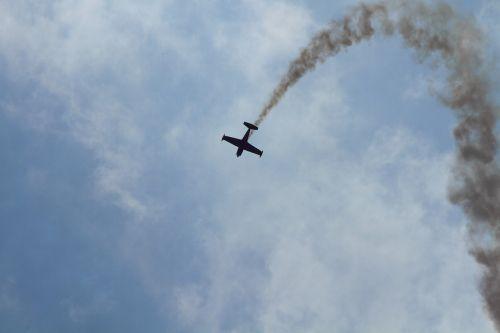aircraft sky aerobatics