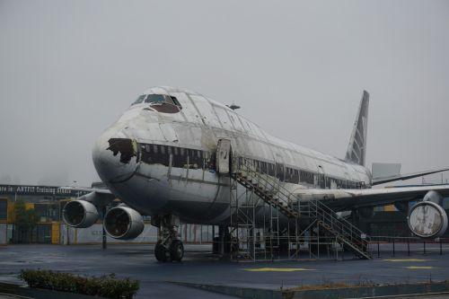 aircraft dilapidated post-apocalypse