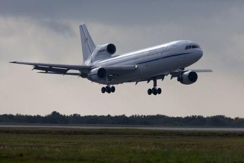 aircraft landing runway