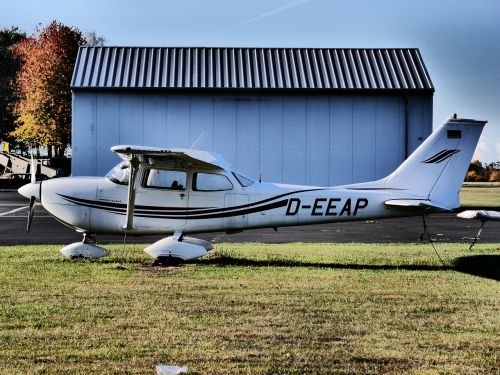 aircraft hangar m17