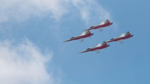 aircraft aerobatics air show