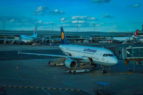aircraft airport holidays