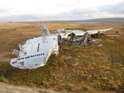 aircraft crash wreck