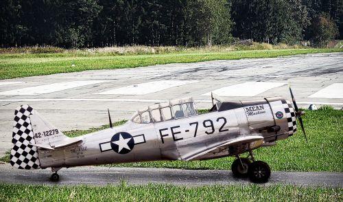 aircraft warbird aviation