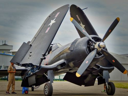 aircraft airport military